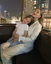 Харламов признался в любви Кристине Асмус с дочкой: 'А Гузеева не обидится?'