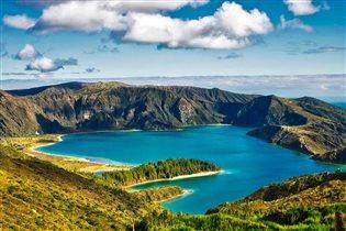 Азорские острова: вулканы, пещеры и морепродукты