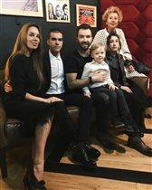 Денис Клявер: фото со всеми детьми от трех женщин