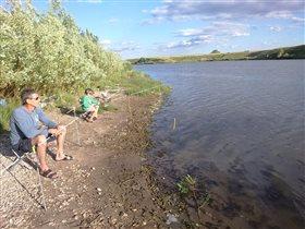 Ловись рыбка, большая и маленькая)))