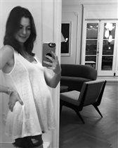 Энн Хэтэуэй беременна второй раз, и почему она прячет первенца