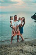 Всей семьей на море