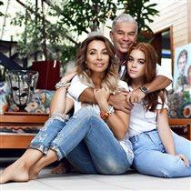 68-летний Олег Газманов: 'Вы как будто старший брат своим девочкам!'