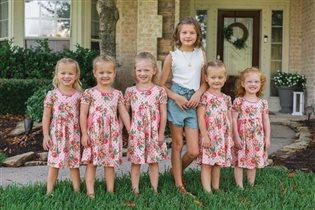Пятерняшки Басби и старшая сестра: учебный год в большой семье