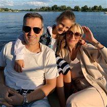 Кристина Орбакайте с мужем и дочкой: редкий день отдыха