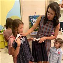 Список в школу: кожаный сарафан для дочки Елены Борщёвой