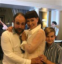Нонна Гришаева с мужем и сыном: 'С мужем 12 лет разницы, но выглядите моложе'