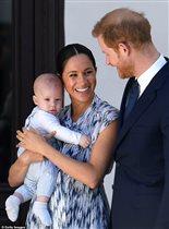 Гарри и Меган празднуют 1 год сыну Арчи: 'Без родных, без торта и без свечек, бедный малыш!'