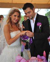 Юлия Ковальчук - 7 лет свадьбы и 3 года дочке: трогательное фото из роддома