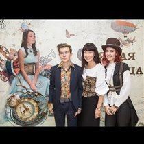 Нонна Гришаева с обоими детьми: 'Красавица мама, красивые дети!'