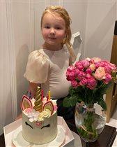 Татьяна Тотьмянина и Алексей Ягудин, 5 лет младшей дочке: 'Похожа на папу, красивая, как мама'