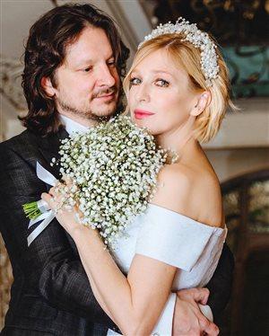 Актриса Ирина Гринёва вышла замуж в десятый раз: и каждый раз - новое платье