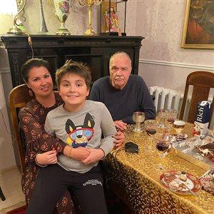 Анна Нетребко в кругу семьи в Краснодаре: 'Как папочка вас ласково называет'
