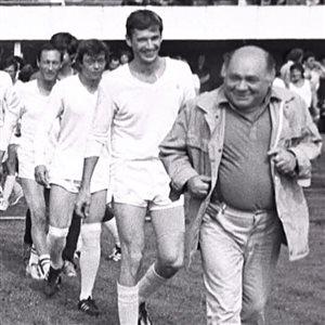 Леонов, Абдулов, Караченцов, Янковский на футбольном поле: команда 'Ленкома' 80-х