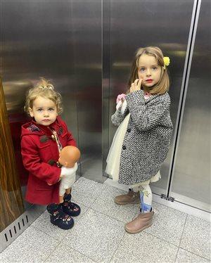 Анна Хилькевич разрешает дочкам краситься - чтобы потом не прокололи пупок