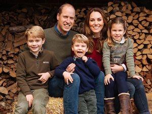 Кейт Миддлтон и Меган Маркл: чья открытка с детьми к Рождеству умилительнее?