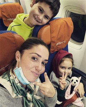 Агата Муцениеце с детьми от Прилучного: 'Мы на море - заслужили!'