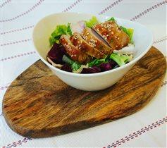 Любимый фарфоровый салатник