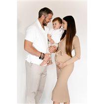 Жена Александра Овечкина беременна вторым ребёнком: самое трогательное фото