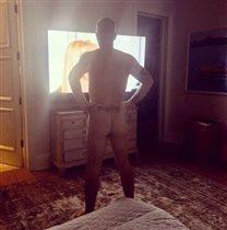 Робби Уильямс голый