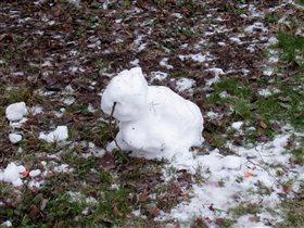 Какова зима - таков и снеговик. Москва, 4.01.2020