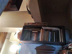 Полка для большого формата книг