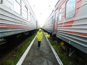 поезд справа, поезд слева