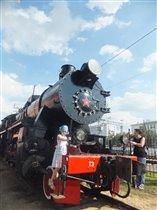 Экспонаты паровозного депо 'Красный Балтиец'.