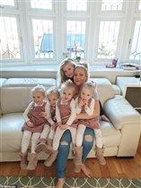 Сложно с малышами на карантине? Что делает мама 3-летних четверняшек и 6-летки