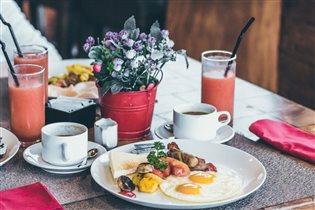 Красивый завтрак в выходной день: идеи и рецепты для праздничного настроения
