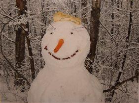 От улыбки снежный день светлей:)