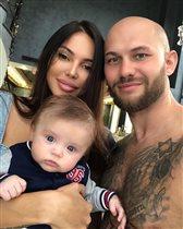 Жена репера Джигана с 5-месячным сыном: 'Пускай будет не такой, как папа?'
