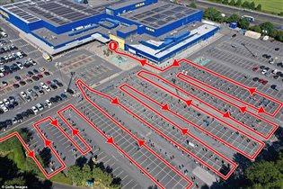 В первый день открытия магазинов очередь в IKEA растянулась на 3 часа