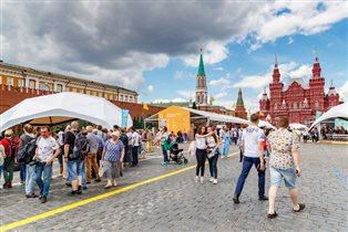 Книжный фестиваль «Красная площадь 2020»: мероприятия издательства «БОМБОРА»