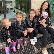 Оксана Самойлова со всеми 4 детьми: 'Скоро будет не банда, а футбольная команда!'