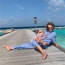 Ксения Собчак с сыном: 'Все улетели на море, а мы ходим в бассейн!' - и ненависть к отдыхающим