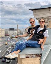 Анна Михайловская напугала соцсети фото с возлюбленным на крыше