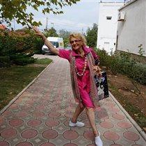 'Гардемарины, вперед-4' и кокетливые фото 84-летней Светланы Дружининой
