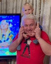 Владимир Винокур не принимает мужских украшений: 'На шее должны быть внуки!'
