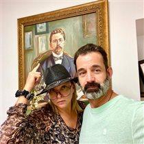 Дмитрий Певцов с женой и сыном в Крыму: почему Ольга Дроздова все время в образе?