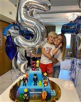 Анна Михайловская - роскошный торт на 5-летие сына: 'Человечки больно красивые, чтобы их есть'