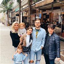 Валентин Юдашкин с женой, дочкой, зятем и внуками: 'Младший Аркадий - ваша копия!'