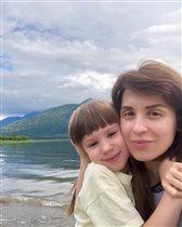 Ирина Муромцева с дочкой на Алтае: 'Нужно настроиться на сервис 'а-ля рюс' - незатейливый'