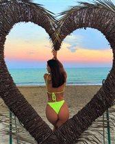 Оксана Самойлова достала соцсети эффектными фото: 'Пожалейте её, у неё муж гулящий'