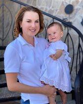 Ирина Слуцкая: первые зубы третьего ребёнка - и старшая дочь с афрокосами
