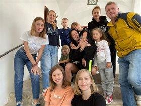 Дарья Мороз, Виктория Исакова и Юлия Пересильд с дочками: у кого больше?