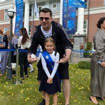 Гарик Харламов и дочь-первоклассница: 'А где мамка?'