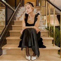 Рената Литвинова: 'Школьная форма была красивой, но мне из зависти порвали фартук'