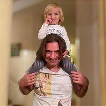 Дмитрий Маликов с 2-летним сыном: 'Что-то все вокруг хворают...'