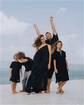 Сергей Жуков с женой, детьми, мамой и братом: 'У нас вот такие семейные традиции'